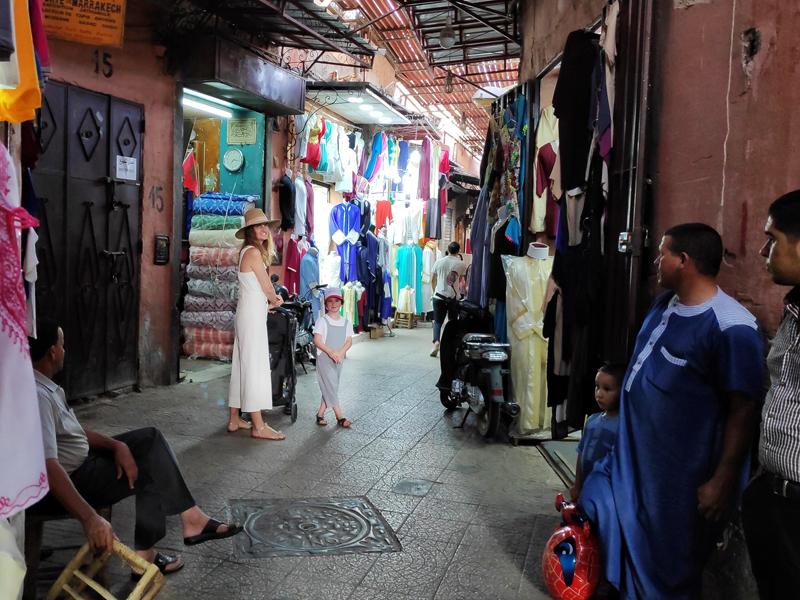 souk marrakech que voir que faire avec des enfants à MArrakech souk moaroc